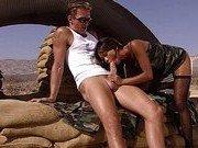 Азиатская порно модель круто сосет у солдата