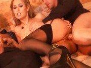 Сучка стала лучшей порно секретаршей для шефа