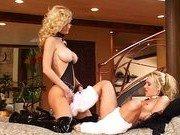 Роскошные блондинки и их секс представление