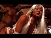 Гиг Порно  Две азиатки в полном комплекте нижнего белья