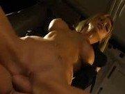 Порно звезда согласилась на секс в микроавтобусе