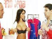 Неожиданный плотный сексуальный контакт в магазине