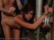 Гиг Порно фильм теща Сучки наслаждаются положением пленниц