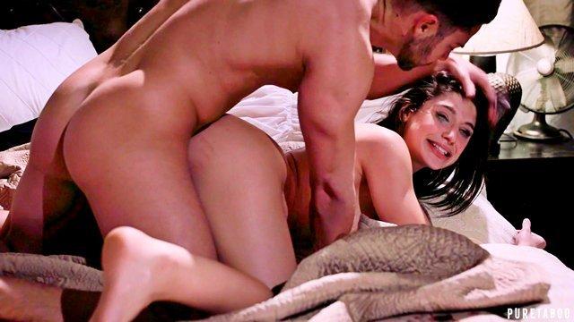 Гиг Порно Милый и романтичный парень оказался жестоким и безжалостным насильником в постели HD Брюнетки Грубый Секс Жесткий Секс Минет Молодые Натуральные Сиськи гигпорно видео