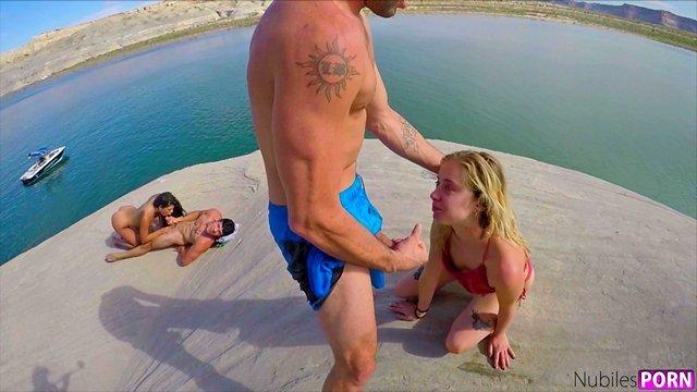 Групповушка блондинок видеоролик гиг порно