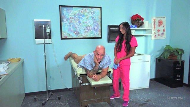 Гиг Порно Мужик растерялся от такой ебливой медсестры но все-же присунул ненасытной сучке в анал HD Анальный Секс Большие Сиськи Брюнетки Жесткий Секс Зрелые Женщины Латинки Минет Порно Звезды Униформа гигпорно видео