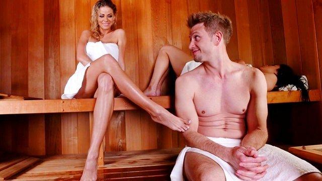 Гиг Порно  HD Большие Жопы Большие Сиськи Красотки Куннилингус Ножки Оральный Секс Фетиш Фут-Джоб гигпорно видео