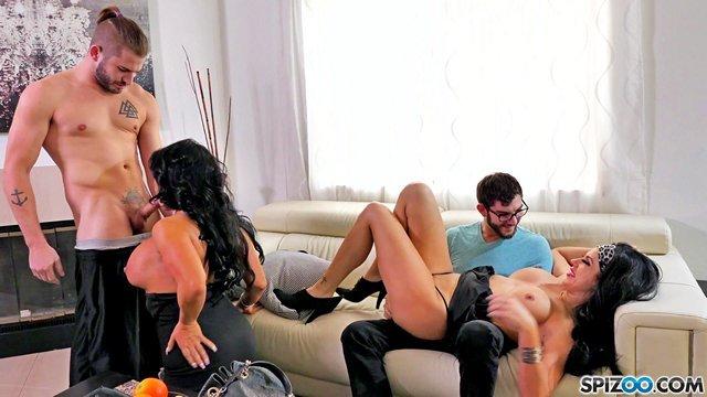 Гиг Порно Зрелые и жгучие брюнетки-шалавы с большими сиськами и задницами скрасили досуг парней HD Большие Жопы Большие Сиськи Брюнетки Групповой Секс Женщины в Возрасте Жесткий Секс Зрелые Женщины Нижнее Бельё гигпорно видео