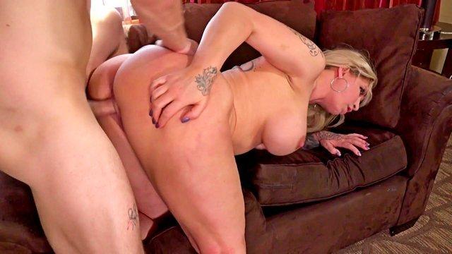 Гиг Порно  HD Блондинки Большие Жопы Большие Сиськи Женщины в Возрасте Жесткий Секс Минет На Лицо Порно Звезды Старые Бабы гигпорно видео