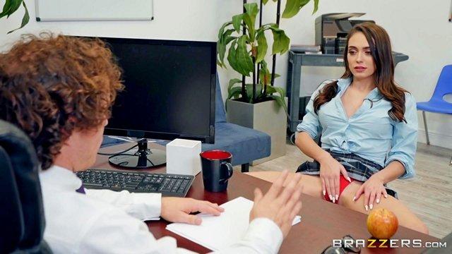 Гиг Порно Директор распекает молодую училку за откровенные наряды и излишне сексуальное поведение с учениками HD Большие Сиськи Брюнетки В колледже Жесткий Секс Красотки Куннилингус Минет Нижнее Бельё Униформа гигпорно видео