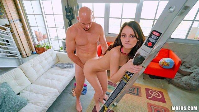 Смотреть порно фото семейный инцест