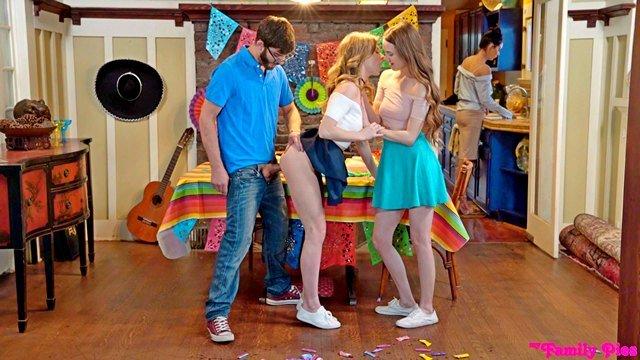 Гиг Порно  HD Блондинки Большие Члены Бритые Киски Жесткий Секс Красотки Куннилингус Минет Молодые Натуральные Сиськи Секс Втроем Худые Девушки гигпорно видео