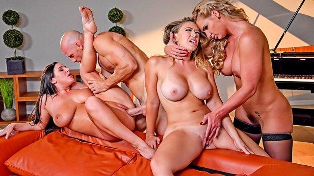 Гиг Порно Грудастая жена с двумя подругами решаются провести горячий и дикий секс-марафон на выносливость со своим мужем гигпорно видео