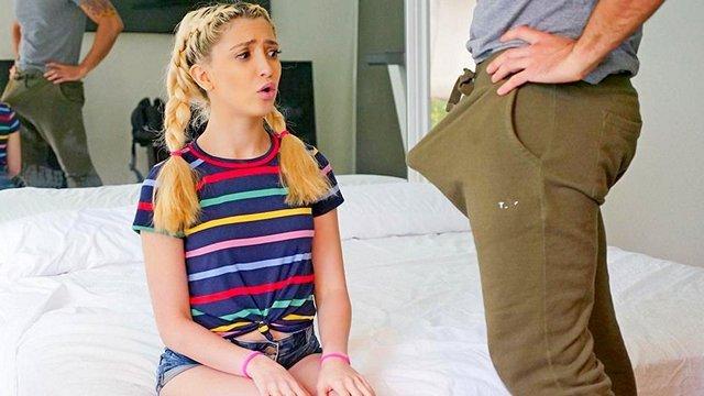 Гиг Порно 18-ти летняя дочка и её плотная киска не ожидали увидеть у отчима такой большой стоячий пенис, семейный секс HD Блондинки Большие Члены Домашнее Порно Жесткий Секс Маленькие Сиськи Минет Молодые Натуральные Сиськи Худые Девушки гигпорно видео