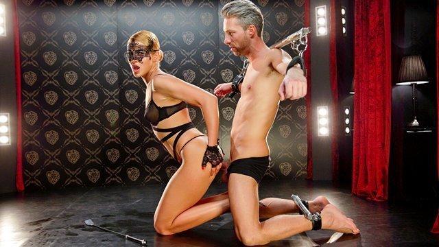 Порно ролики бесплатно стриптиз полные