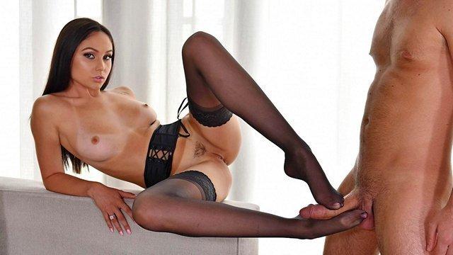 Порно с самой худой порнозвездой hd