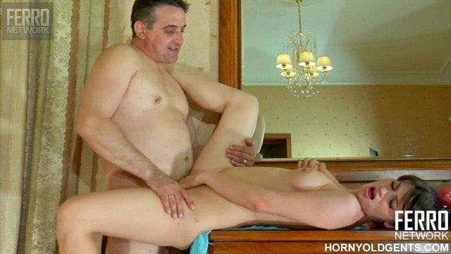 Скачать бесплатно порно с 45летними