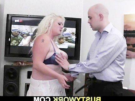 Гиг Порно  Большие Сиськи гигпорно видео