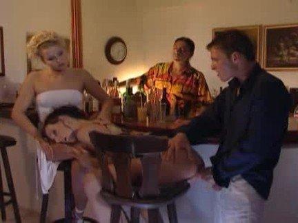 Гиг Порно На Публике брюнетка в две дырки в позе раком в сперме ебля в жопу подростки публично с двух сторон скачет на члене сосет сперма на лицо трах в жопу черные волосы юная гигпорно видео