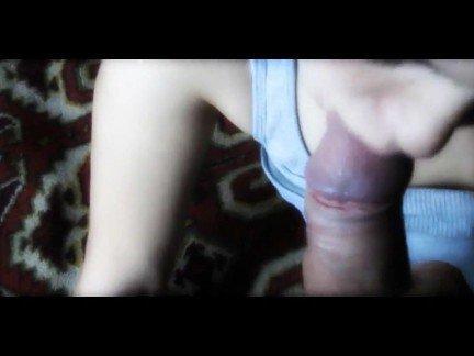 Гиг Порно Молоденькая сучка с пышной жопой делает домашний минет от 1-го лица HD Веб-камеры Любители Минет Молодые гигпорно видео