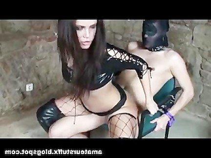 Гиг Порно Молоденькая госпожа насела пиздой на твердый хуй своего раба Большие Сиськи Бондаж Молодые Фетиш гигпорно видео
