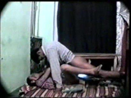 Гиг Порно Грубый самец отперчил невинную девчонку в миссионерской позе HD Большие Члены Веб-камеры Индианки Любители гигпорно видео