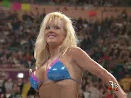 Гиг Порно Большие Сиськи mature tits royal rumble wwf бикини блондинка большие-титьки горячая конкурс красивая блондинка огромные дойки сексуальная гигпорно видео
