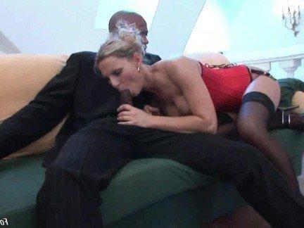 Гиг Порно Негр подцепил белую милфу на жесткий трах в жопу без презерватива HD Анальный Секс Блондинки Большие Члены Межрасовый Секс гигпорно видео