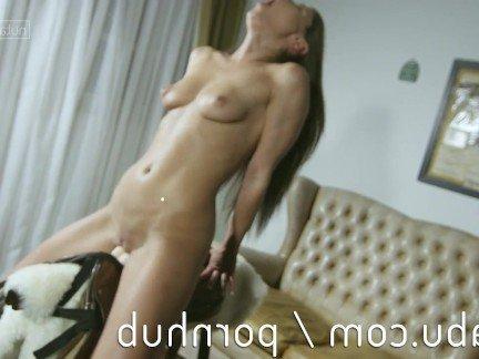 Гиг Порно Молоденькая красотка с маленькой грудью кончает от траха секс-машиной HD Красотки Маленькие Сиськи Мастурбация Порно Звезды Секс Игрушки гигпорно видео