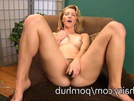 Анальный секс молоденькой блондинки с фолосом