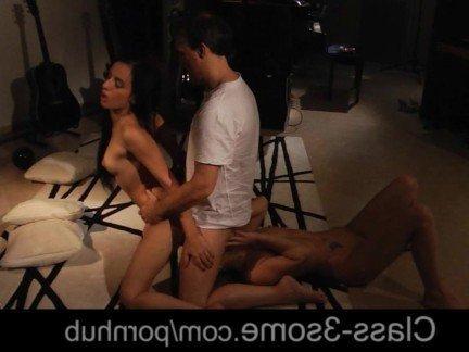 Гиг Порно Выносливый мужик отъебал двух темноволосых румынок с переливанием спермы HD Брюнетки В Сперме Молодые Порно Звезды Секс Втроем гигпорно видео