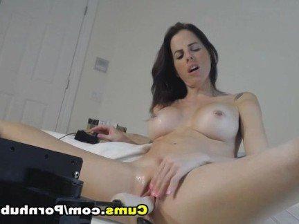 Сматреть частное порно как и чем мамы мастурбируют в машынах