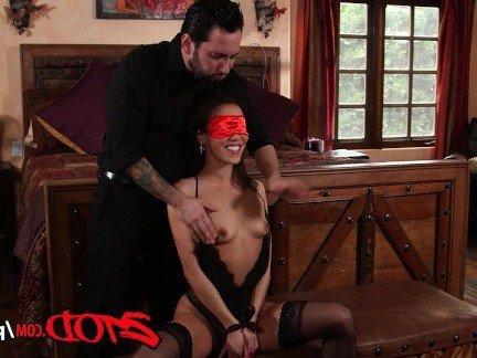 Гиг Порно Мужик приносит классный оргазм любопытной азиатке в БДСМ ебле HD Азиатки Брюнетки Грубый Секс Жесткий Секс Порно Звезды гигпорно видео