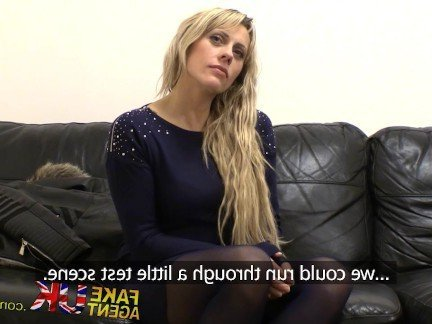 Гиг Порно Красивая англичанка прошла жесткий сексуальный кастинг от 1-го лица HD Блондинки Британки Реалити Порно Секс от 1-го Лица гигпорно видео