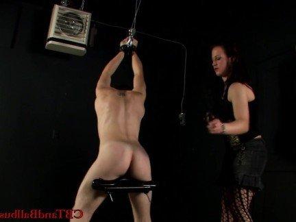 Гиг Порно Госпожа в страстных чулках доминирует над молодым рабом с помощью тока HD Бондаж Брюнетки Любители Порно Звезды Фетиш гигпорно видео