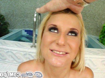 Гиг Порно Блондинка с огромными дойками отсосала толпе амбалов со спермой на лицо HD Блондинки В Сперме Гангбанг Минет гигпорно видео