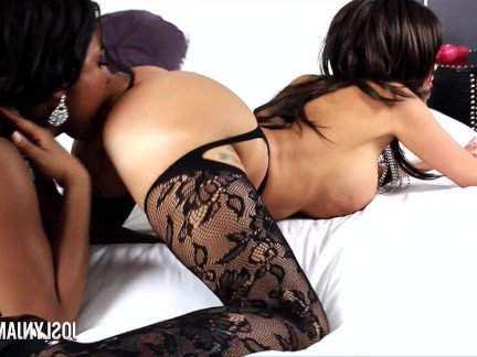Гиг Порно  HD Большие Сиськи Зрелые Женщины Лесбиянки Межрасовый Секс Порно Звезды гигпорно видео