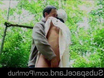 Гиг Порно Молодая шлюха с крепкой жопой отсасывает хуй на красивой природе HD Блондинки Красотки Молодые Порно Звезды Фетиш гигпорно видео