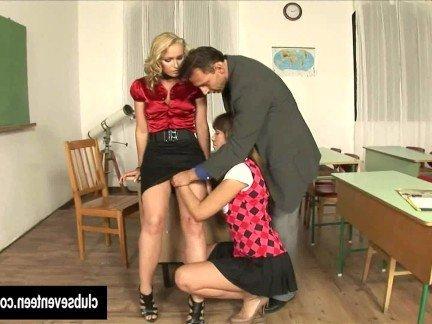 Гиг Порно Ректор устроил секс втроем со студенткой и преподавательницей HD Зрелые Женщины Молодые Секс Втроем Студентки гигпорно видео