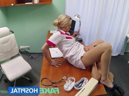 Гиг Порно Сексуальная медсестра соблазнила замужнего пациента на классический секс в письку HD Блондинки Европейки Реалити Порно Униформа гигпорно видео