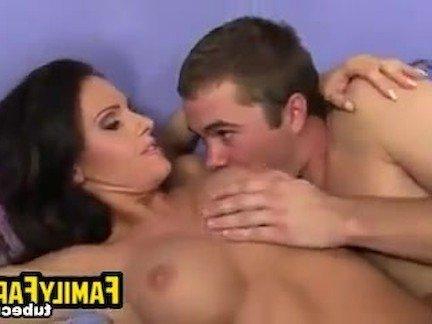 Бесплатные видео секс мама и син