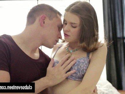 Гиг Порно Молодая куколка чувственно дает парню в бритую пилотку до чудного оргазма HD Брюнетки Жесткий Секс Маленькие Сиськи Молодые гигпорно видео