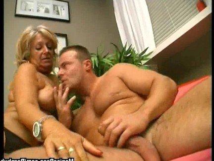 Гиг Порно  Блондинки Большие Сиськи Женщины в Возрасте Жесткий Секс Порно Звезды гигпорно видео