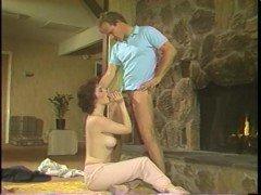 Гиг порно Обеспеченный мужчина спустил на жопу блядливой няньки напротив камина гигпорно Брюнетки Молодые Ретро Порно Хардкорный Секс бесплатное секс видео