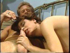 Гиг порно Винтажная дама с волосатой пилоткой замутила мощный отсос для мужа гигпорно Большие Сиськи Большие Члены Брюнетки Хардкорный Секс бесплатное секс видео