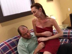 Порно Рыжая курва с большими сиськами предложила потрахаться с ролевой игрой видео