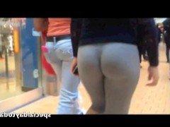 Гиг порно Молоденькая шалава с упругой жопой разгуливает по тц в претальных леггинсах гигпорно HD Любители Молодые На Публике Попки / Жопы бесплатное секс видео