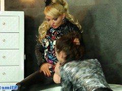 Гиг порно Европейские лесбиянки устроили грязный секс со страпоном начиненным кремом гигпорно HD Блондинки Брюнетки Буккаке Лесбиянки бесплатное секс видео