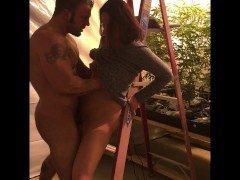 Порно Амбал трахает свою любимую девушку поперед прекрасного обоюдного оргазма видео