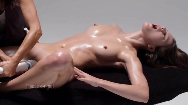 Смотреть онлайн бесплатно порнуху долгий и классный массаж